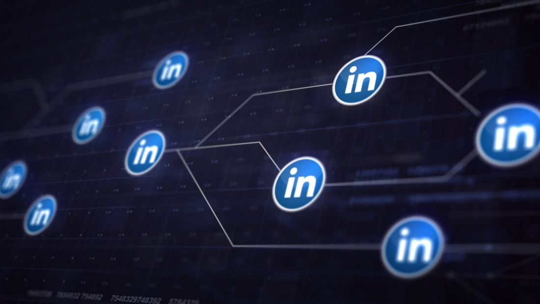 LinkedIn Icon Line Connection of Circuit Board